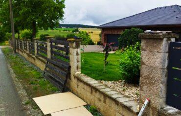 Demontáž starého plotu