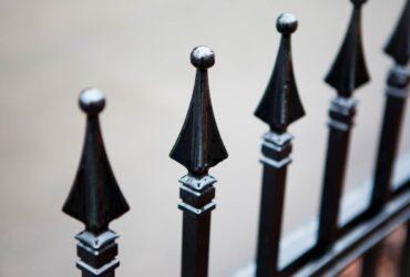 ozdobny-hlinikovy-plot